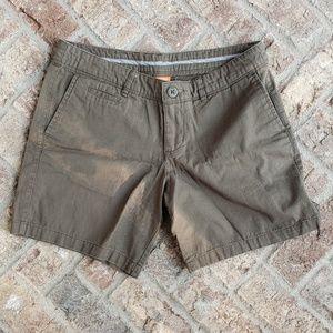 Nike olive green cotton cargo like shorts M